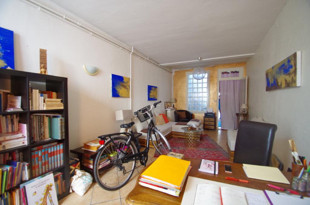 Maison à louer 3 65.75m2 à La Rochelle vignette-3