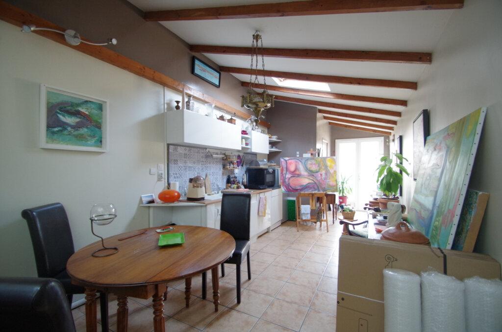 Maison à louer 3 65.75m2 à La Rochelle vignette-4