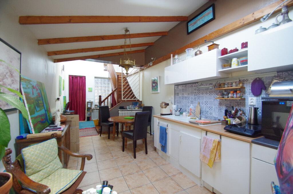 Maison à louer 3 65.75m2 à La Rochelle vignette-5
