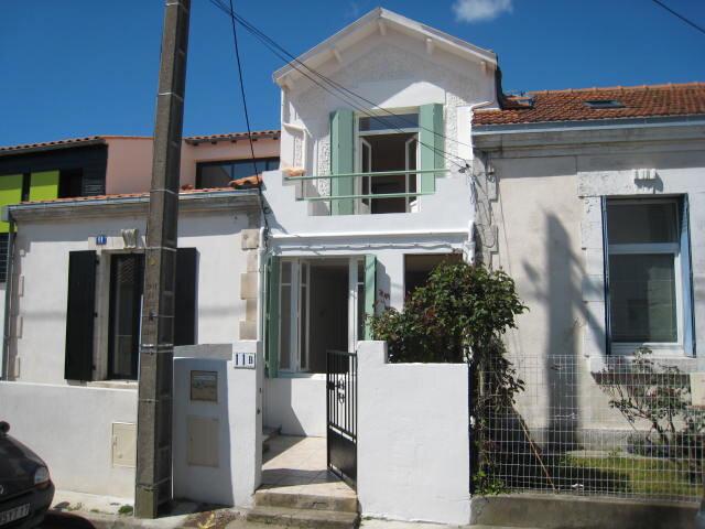 Maison à louer 3 65.75m2 à La Rochelle vignette-10