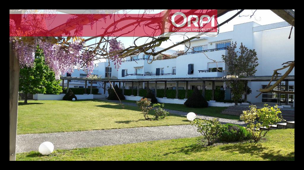 Appartement à vendre 2 51m2 à La Rochelle vignette-1