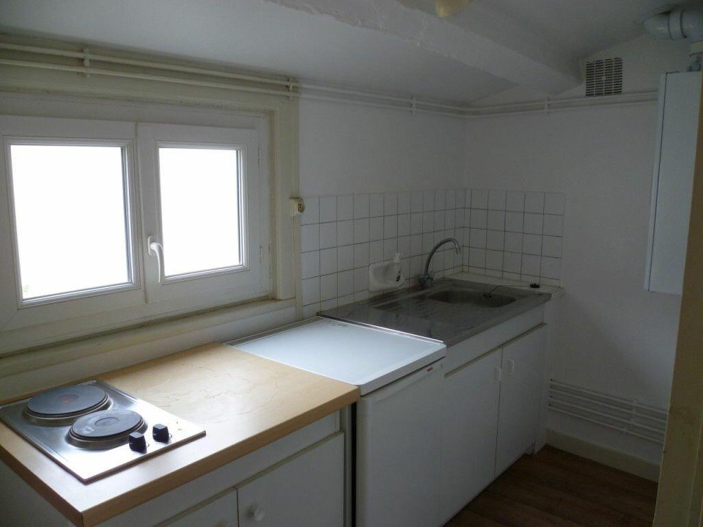 Appartement à louer 1 22m2 à La Rochelle vignette-2