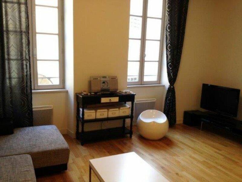 Appartement à louer 2 55.88m2 à La Rochelle vignette-1