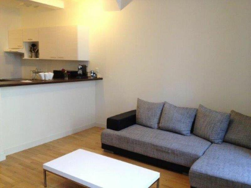 Appartement à louer 2 55.88m2 à La Rochelle vignette-2