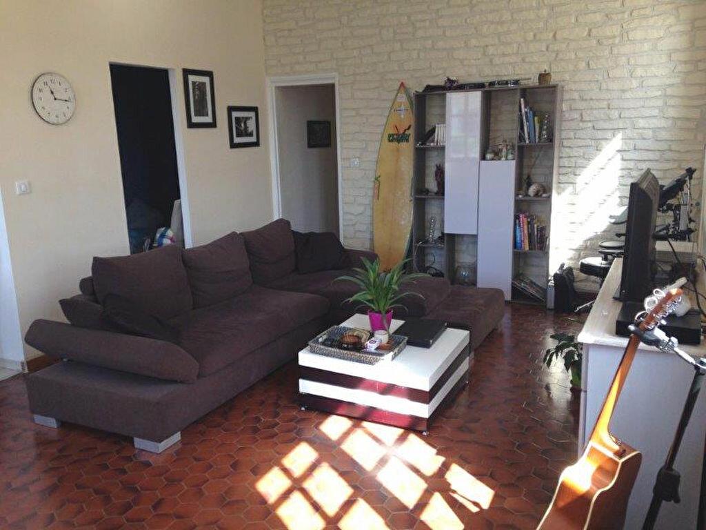 Maison à louer 4 67.88m2 à La Rochelle vignette-3