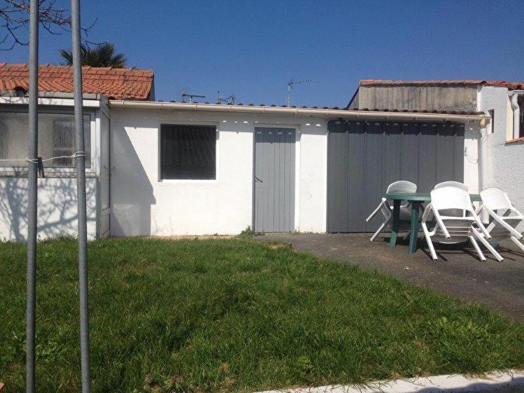 Maison à louer 4 67.88m2 à La Rochelle vignette-6