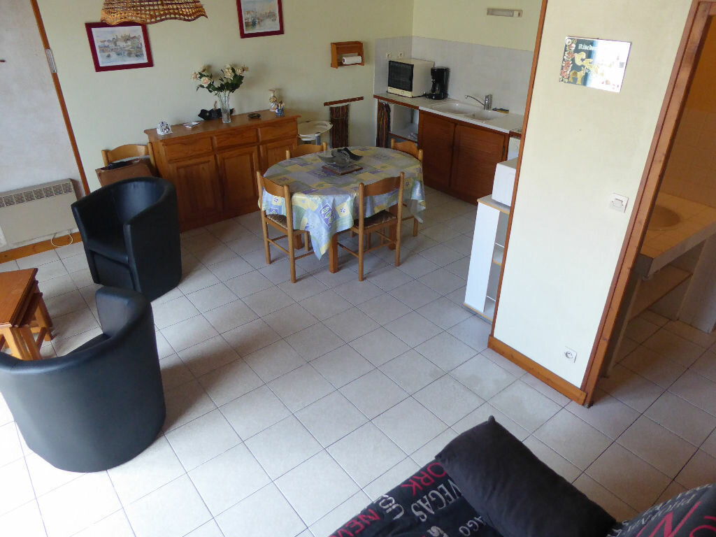 Maison à vendre 3 52m2 à Rivedoux-Plage vignette-4