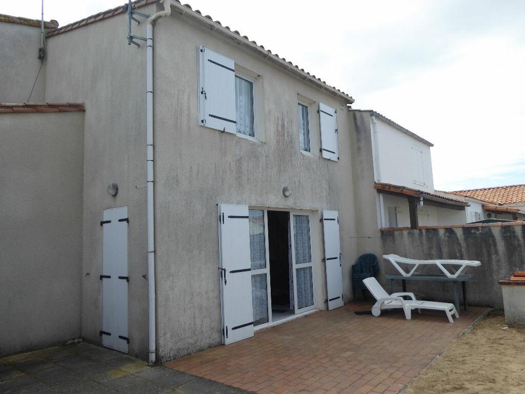 Maison à vendre 3 52m2 à Rivedoux-Plage vignette-5