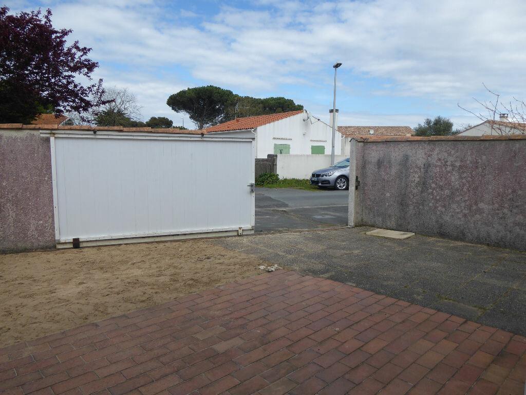 Maison à vendre 3 52m2 à Rivedoux-Plage vignette-7