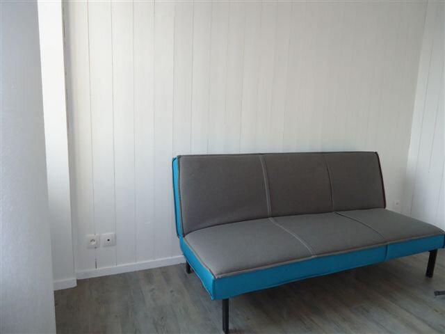 Appartement à louer 1 21m2 à Saint-Martin-de-Ré vignette-2
