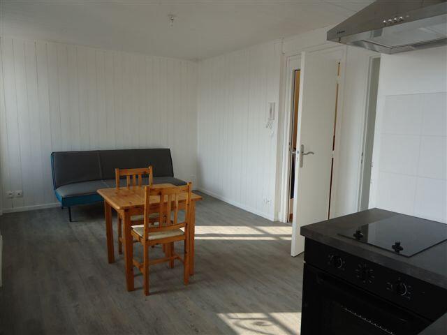 Appartement à louer 1 21m2 à Saint-Martin-de-Ré vignette-5