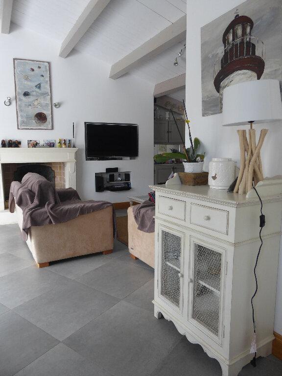 Maison à vendre 4 130m2 à Rivedoux-Plage vignette-5