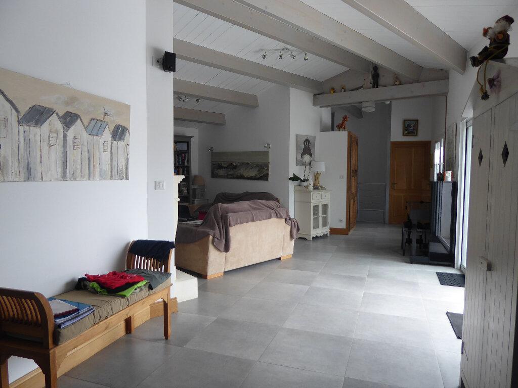 Maison à vendre 4 130m2 à Rivedoux-Plage vignette-12