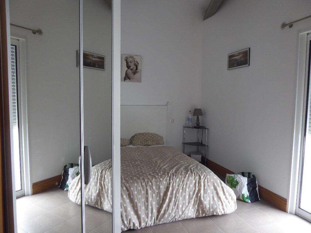 Maison à vendre 4 130m2 à Rivedoux-Plage vignette-13