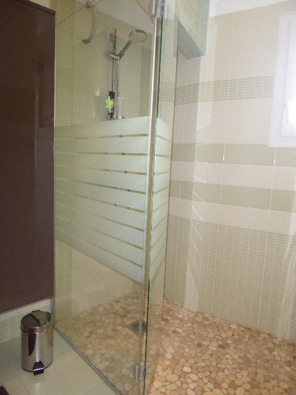 Maison à vendre 4 130m2 à Rivedoux-Plage vignette-14