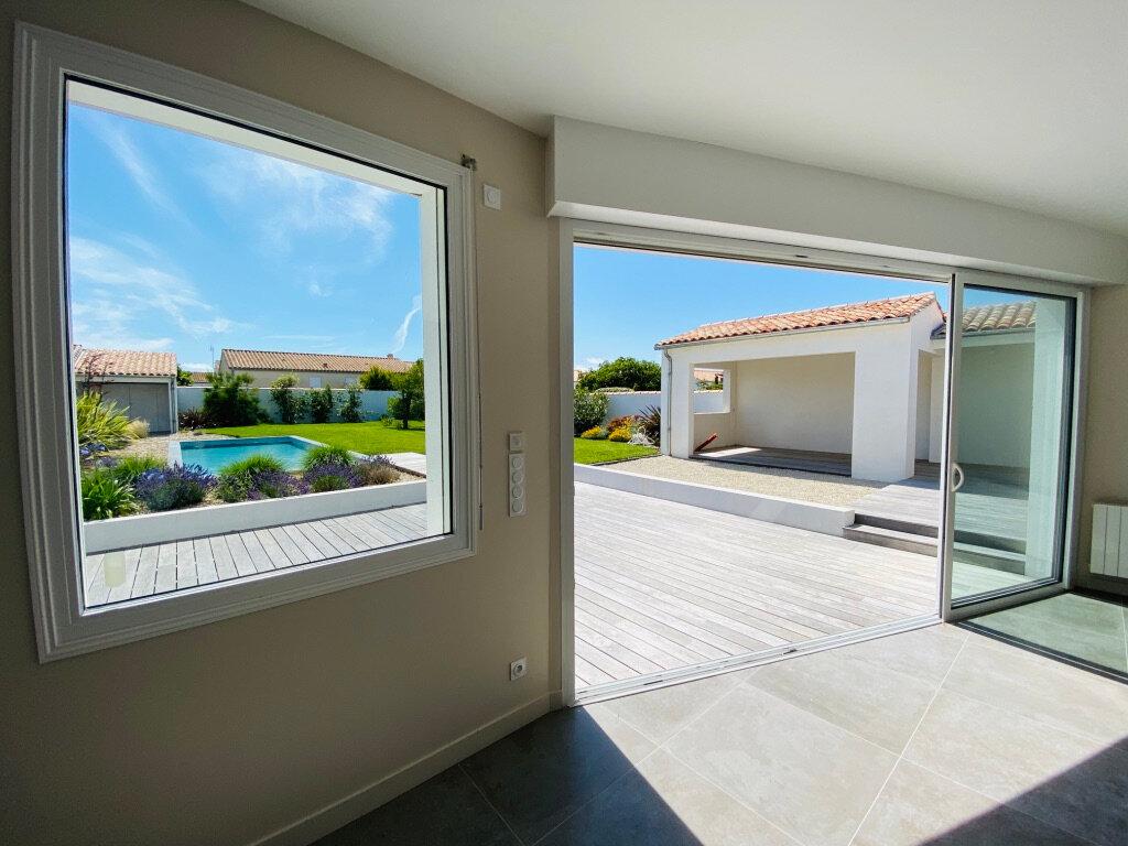 Maison à vendre 8 217m2 à Sainte-Marie-de-Ré vignette-3