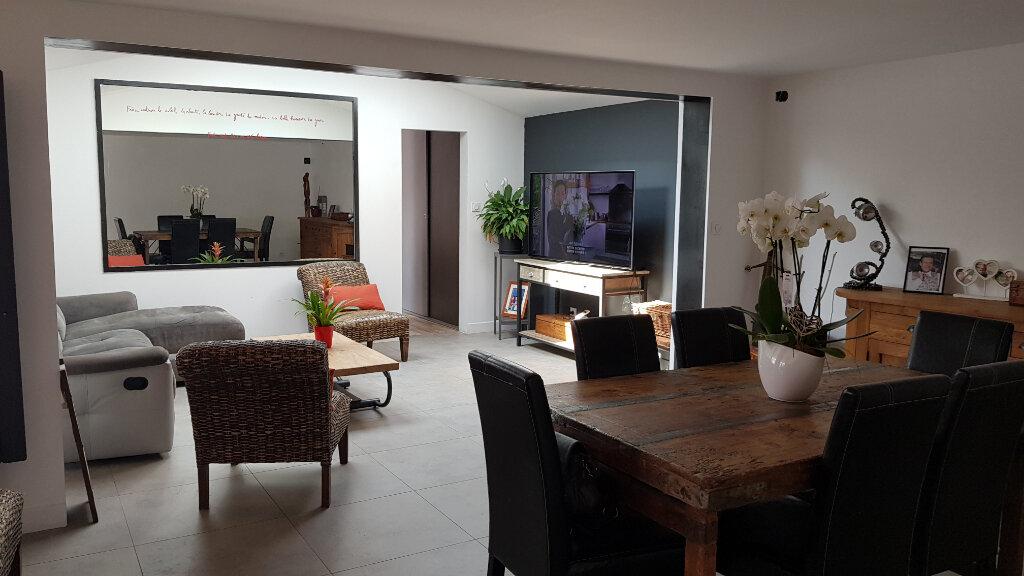 Maison à vendre 11 224m2 à Sainte-Marie-de-Ré vignette-2