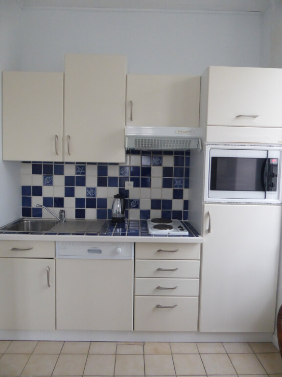 Appartement à louer 2 33m2 à La Flotte vignette-4