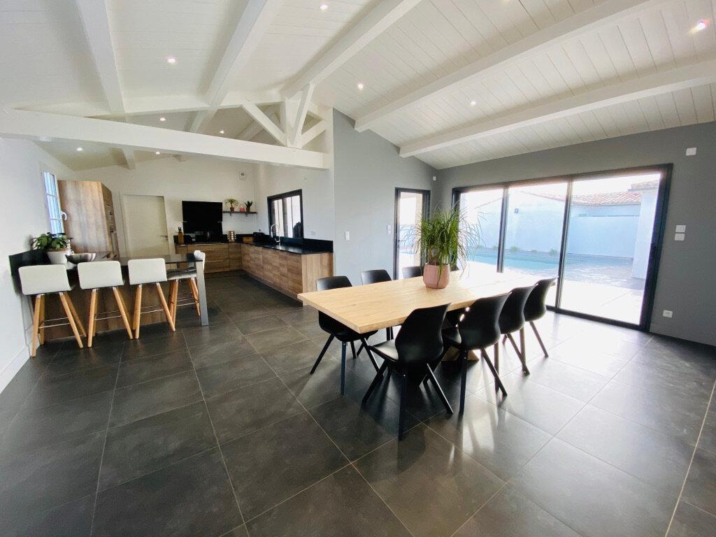 Maison à vendre 10 254m2 à Sainte-Marie-de-Ré vignette-3