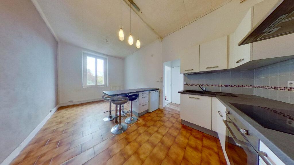Appartement à louer 2 36.05m2 à Lyon 4 vignette-1