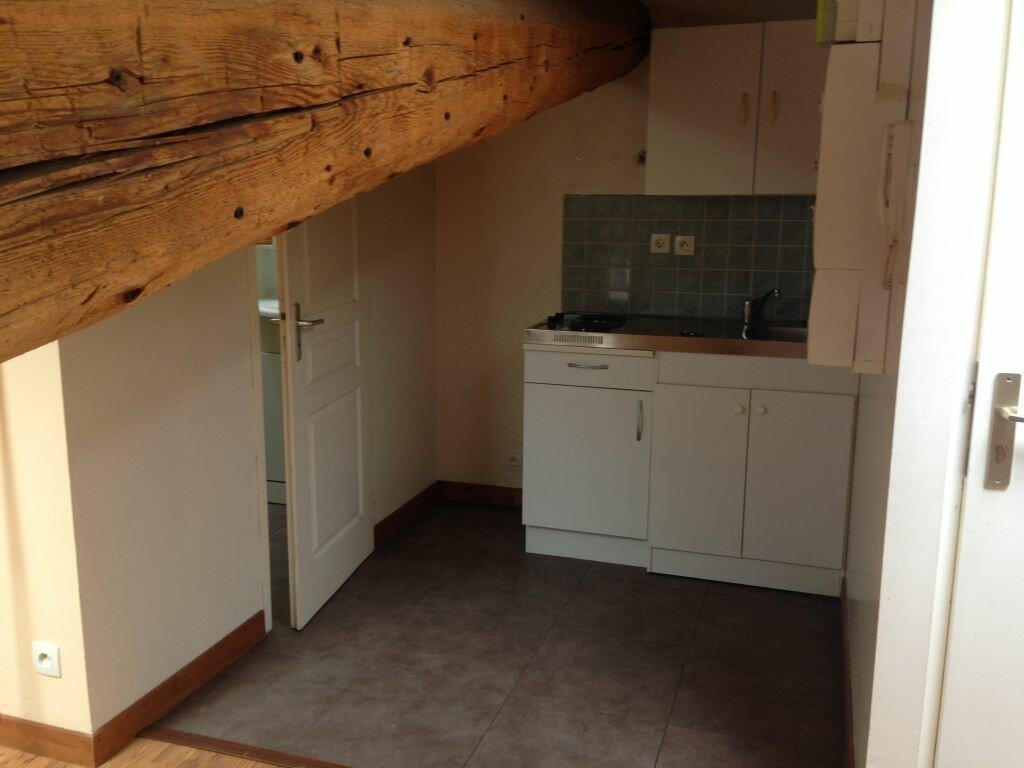 Appartement à louer 2 18m2 à Rillieux-la-Pape vignette-2
