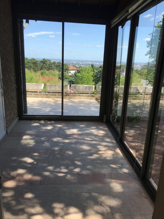 Maison à louer 6 226.41m2 à Rillieux-la-Pape vignette-6