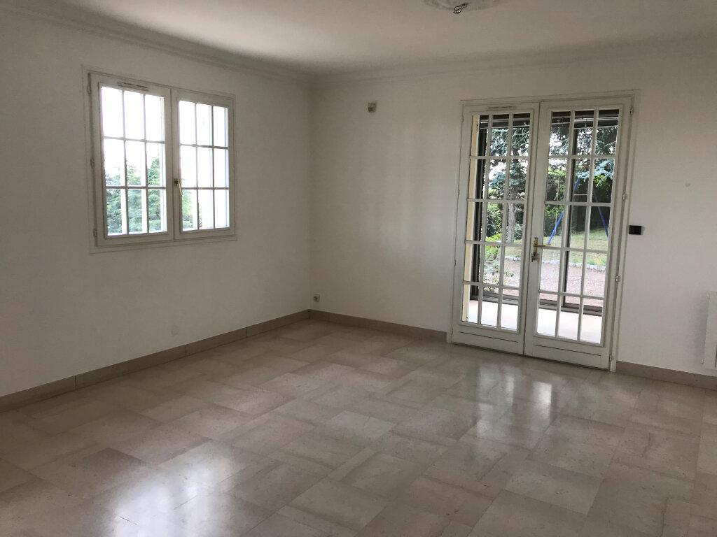Maison à louer 6 226.41m2 à Rillieux-la-Pape vignette-7