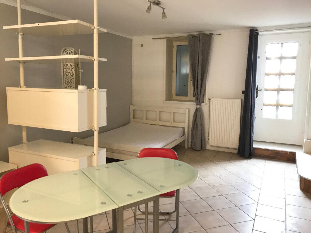 Appartement à louer 1 35.4m2 à Caluire-et-Cuire vignette-2