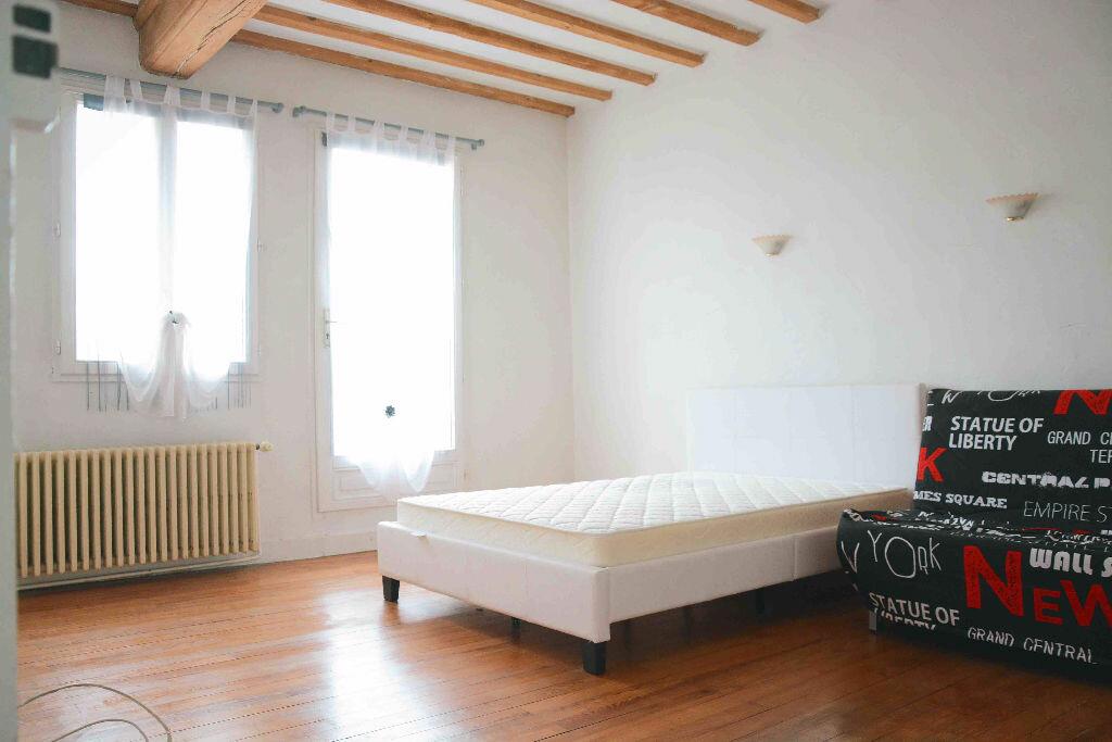 Appartement à louer 2 34.05m2 à Rillieux-la-Pape vignette-1