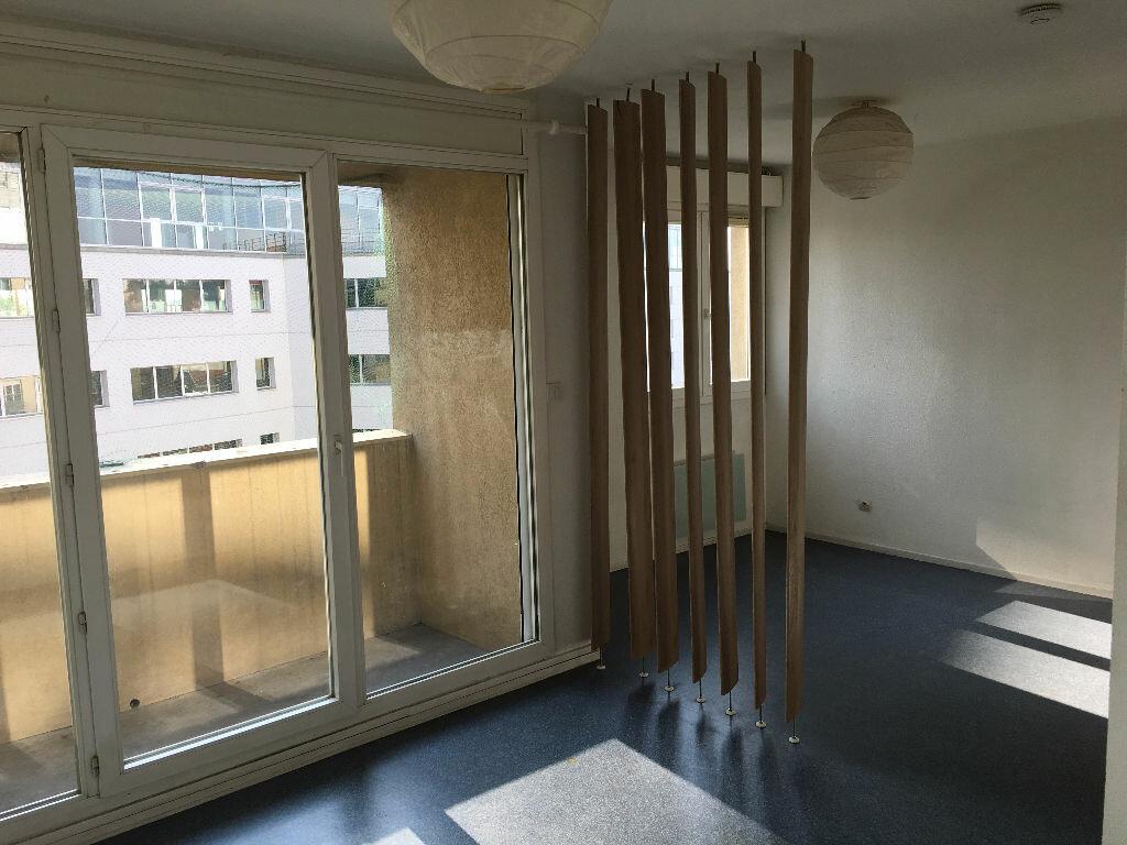Appartement à louer 1 31.5m2 à Caluire-et-Cuire vignette-1