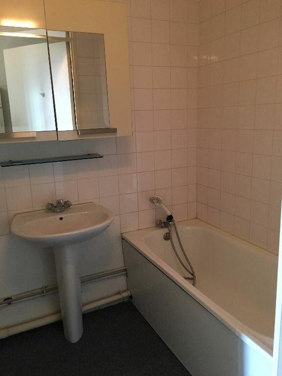 Appartement à louer 1 31.5m2 à Caluire-et-Cuire vignette-5
