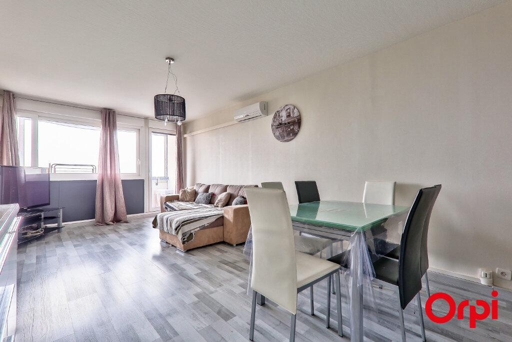Appartement à vendre 4 82.18m2 à Rillieux-la-Pape vignette-1