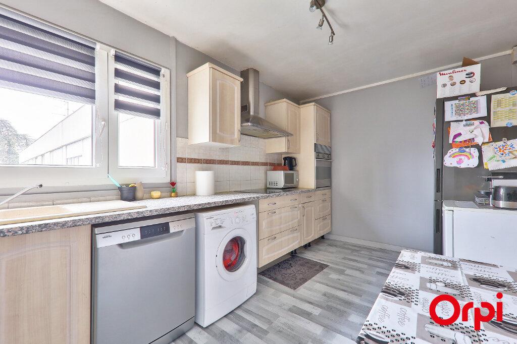 Appartement à vendre 4 82.18m2 à Rillieux-la-Pape vignette-3