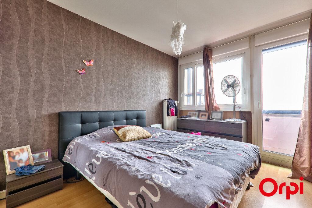 Appartement à vendre 4 82.18m2 à Rillieux-la-Pape vignette-4