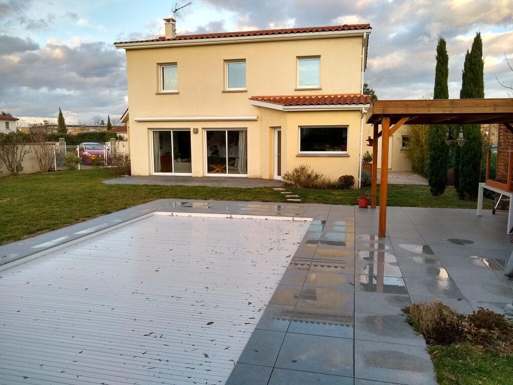 Maison à louer 7 150m2 à Sainte-Foy-lès-Lyon vignette-1