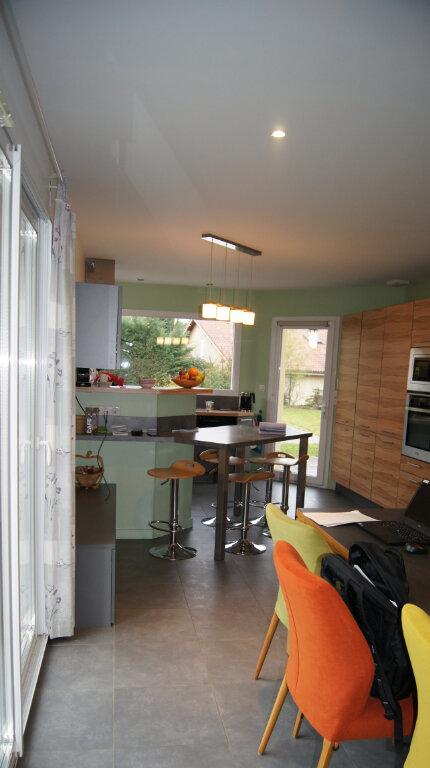 Maison à louer 7 150m2 à Sainte-Foy-lès-Lyon vignette-2