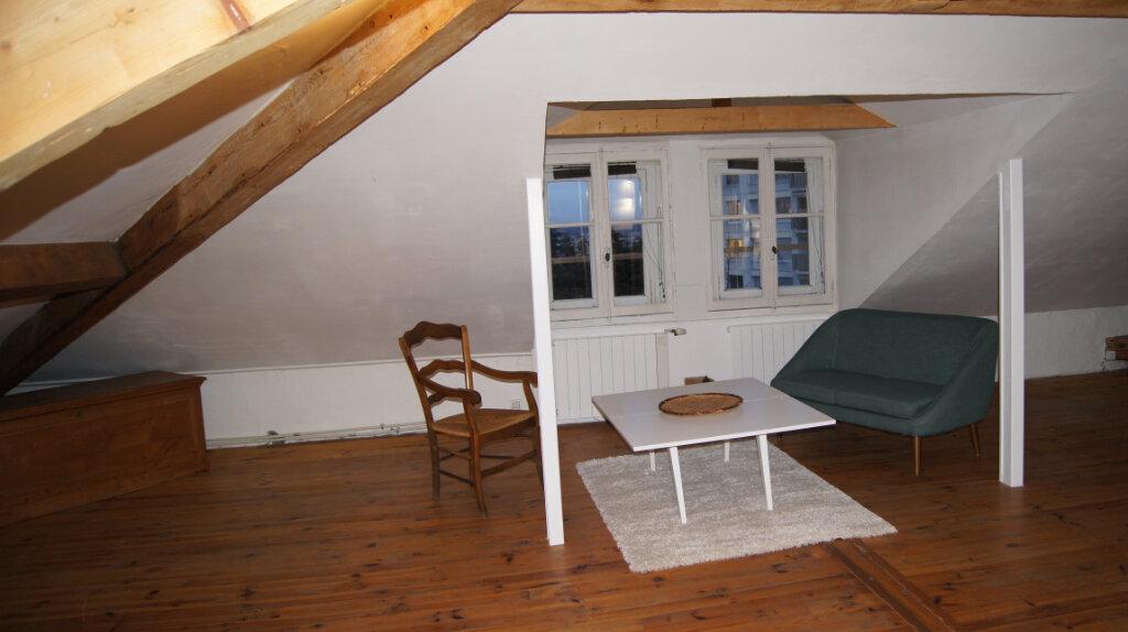 Appartement à louer 1 48.34m2 à Sainte-Foy-lès-Lyon vignette-1