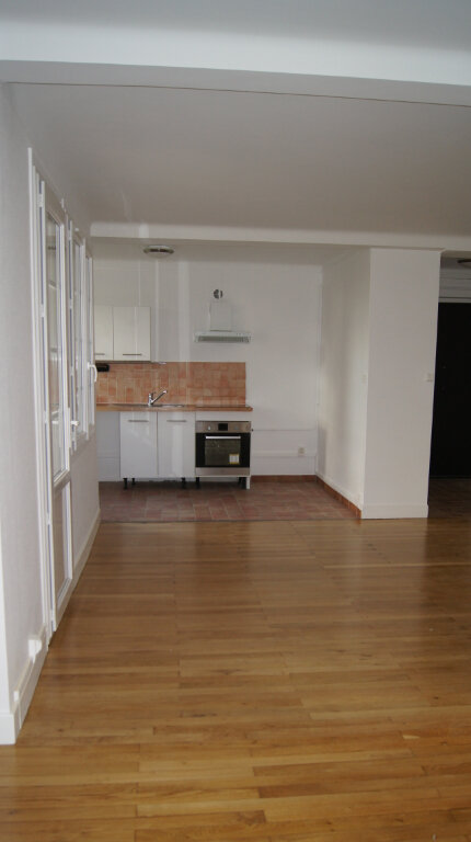 Appartement à louer 5 80.24m2 à Lyon 9 vignette-4