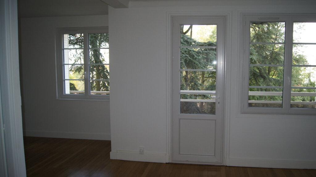 Appartement à louer 5 80.24m2 à Lyon 9 vignette-7