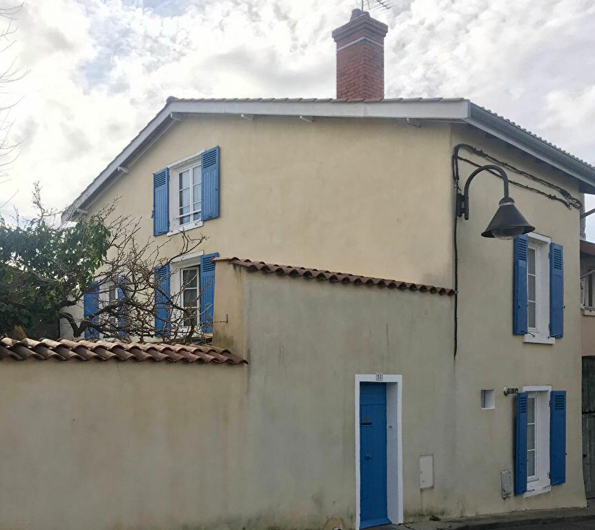 Maison à vendre 5 140m2 à Sainte-Foy-lès-Lyon vignette-1