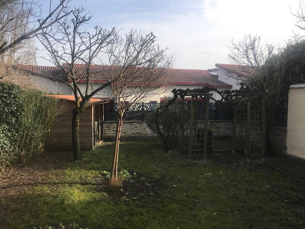 Maison à vendre 5 140m2 à Sainte-Foy-lès-Lyon vignette-2