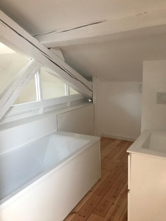 Appartement à vendre 4 129m2 à Caluire-et-Cuire vignette-5