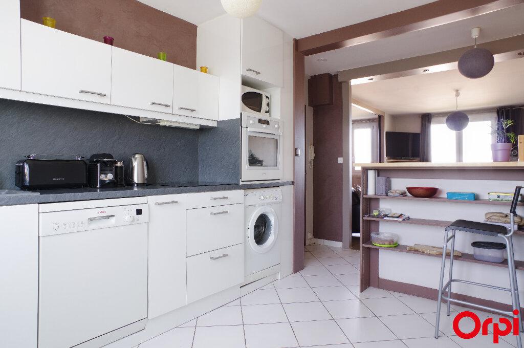 Appartement à vendre 4 68.13m2 à Genay vignette-2