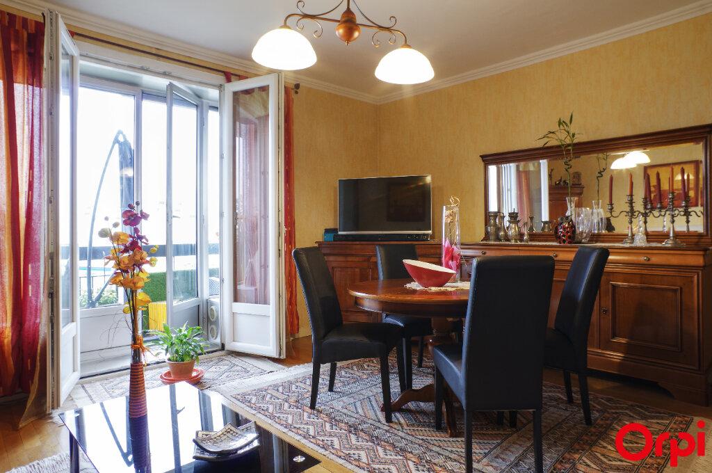 Appartement à vendre 4 92m2 à Lyon 8 vignette-3