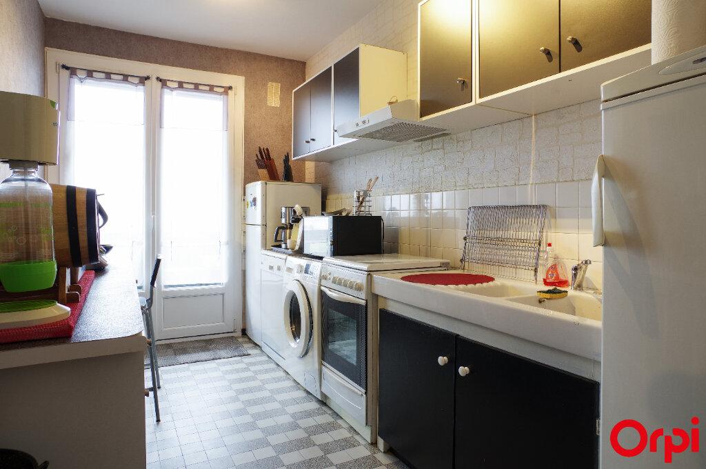 Appartement à vendre 4 92m2 à Lyon 8 vignette-4