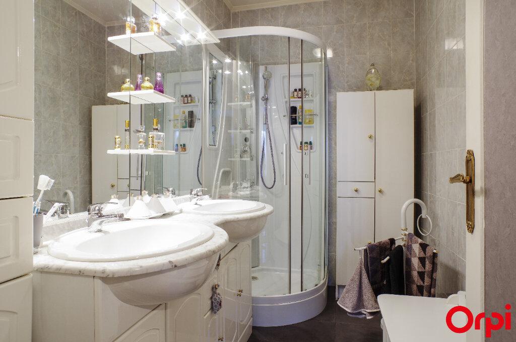Appartement à vendre 4 92m2 à Lyon 8 vignette-5