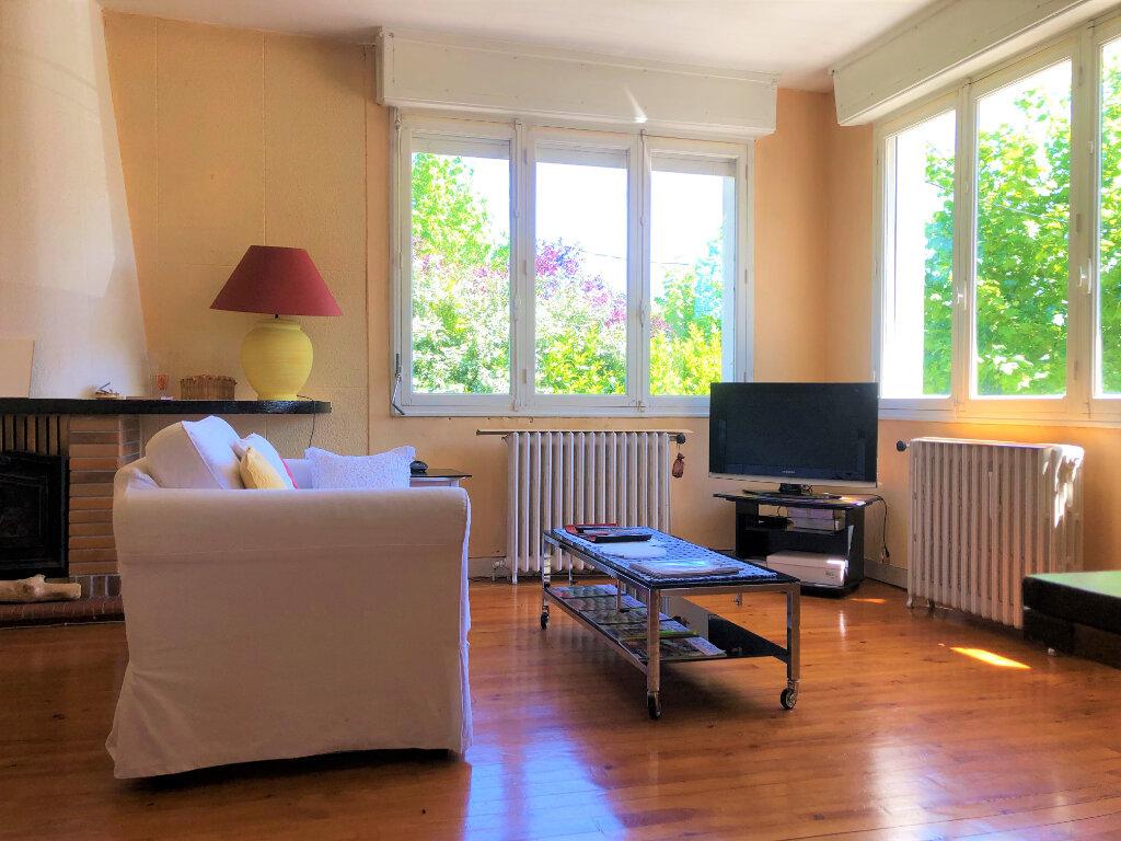 Maison à vendre 5 147m2 à Villenave-d'Ornon vignette-2