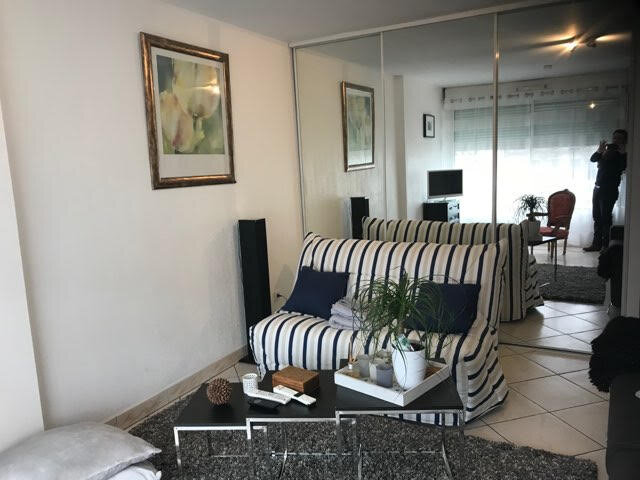 Appartement à louer 1 32m2 à Bordeaux vignette-2