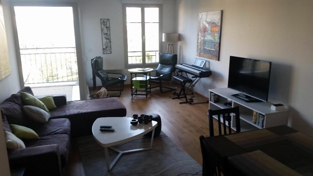 Appartement à louer 3 74.67m2 à Bordeaux vignette-1