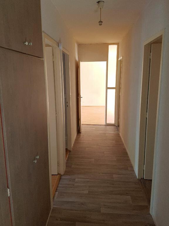 Appartement à louer 3 79.8m2 à Pessac vignette-3